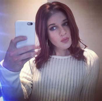 Noémie de Wattrelos 59150 accro aux selfies