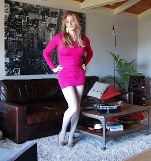 Julie transsexuelle à Clermont-Ferrand veut flirter