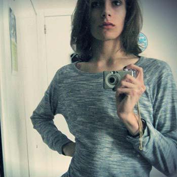 Sophie 26 ans trans d'Auxerre 89 s'emmerde